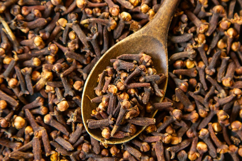 Cloves have anti-inflammatory compounds.